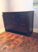 Pali crib and dresser