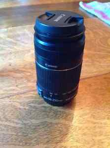 Mint Canon 55-250 mm is ll telephoto lens