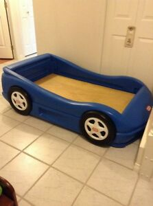 LITTLE TIKES CAR BED WITH MATTRESS