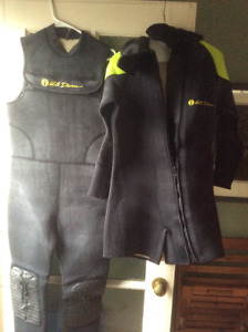 2-piece hooded US Divers 7mm Wetsuits.