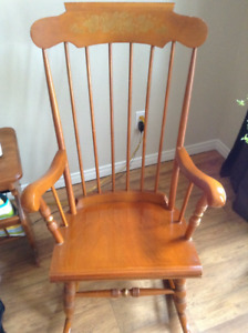 Antique rocking chair -Colonial Maple