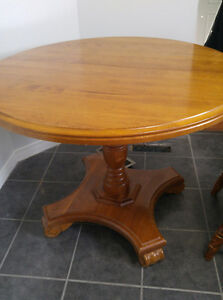 Solid wood table London Ontario image 1