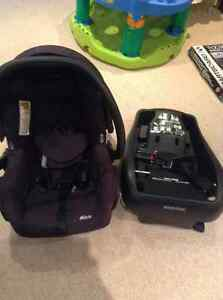 Mico Baby car seat and base for car West Island Greater Montréal image 1