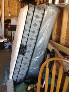 Kingsdown chiro plus pillowtop Mattress and box spring.