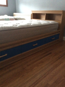 Captains bed with 3 drawers
