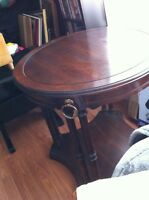 Selling a mahogony table
