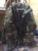 Men's Camo 2 in 1 coat for hunting