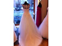 white wedding dress £435