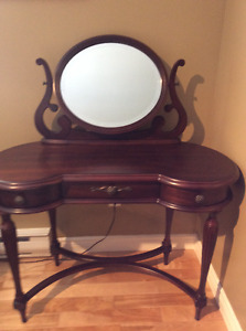 Bombay Prima Vanity / make up table with mirror.
