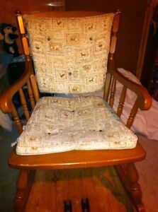 Solid wood rocking chair London Ontario image 2