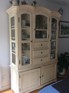 Buffet/Vaisselier  China display Cabinet