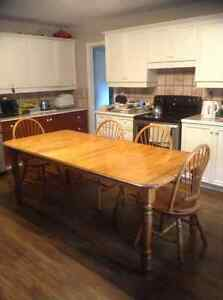 7ft x 3.4ft solid maple dinning table with 6 chairs