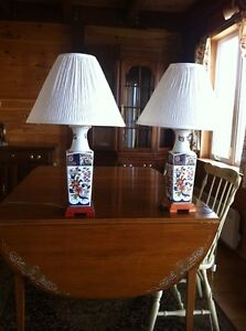 Very nice 2 pair matching glass lamps