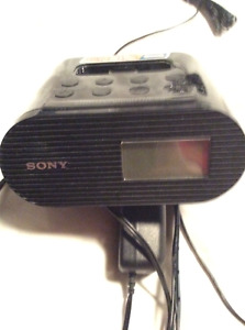Sony ICF-C05IP 30-Pin iPhone/iPod Clock Radio Speaker Dock with