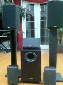 FOR SALE  Theatre Surround Speaker Bundle System