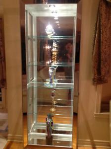 Curio Miroir Vitrine Illuminer Neuf! Curio haut de gamme$590