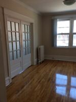 Spacious 3 bedrooms available for immediate rent in Sandy Hill!