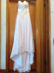 Brand new wedding dress (fits US size 6) Kingston Kingston Area image 2