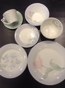 Portmeirion Seasons Collection Flowers Dinnerware Made: Britain
