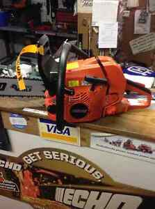 For Sale Echo Timber Wolf 60 cc chainsaws with 18 in $499 Peterborough Peterborough Area image 1