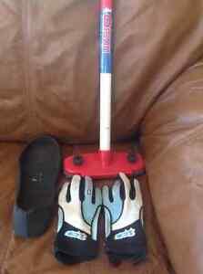 Broom,gloves and slider