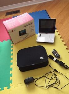 Almost new portable LG DVD player