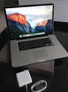 "MacBook Pro 17"" - Near-new condition"