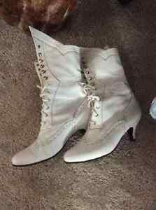 PRICE REDUCED! Gorgeous white Victorian style boots - WORN ONCE