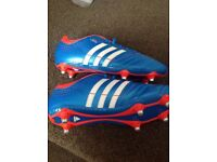 Adidas football boots in very good condition, size 7.