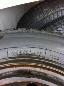 Pneu d`hivers pour Ford F-150 245/70R17