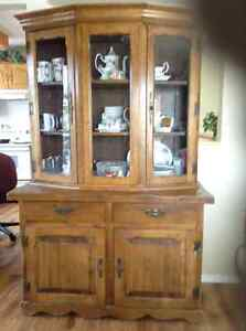ANTIQUE SOLID DINING ROOM HUTCH