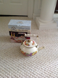 High end tea kettle Brand new in Box