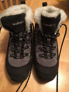 Womens boots size 11