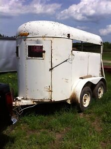 2 horse trailer $600