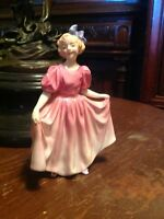 ROYAL DOULTON  FIGURINE    SWEETING.   HN 1935