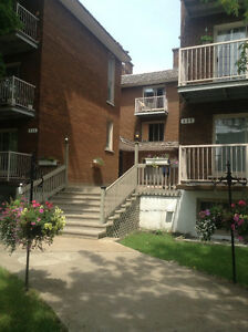 DORVAL Large bachelor / studio FREE RENT for one or two months