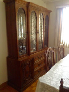 DINING ROOM SET - TABLE, CHAIRS, BUFFET AND HUTCH