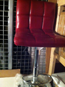 Bar stool, red leatherette, NEW,   Tabourret cuirette rouge