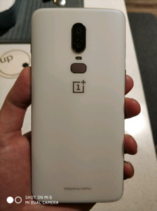 9.5/10 Oneplus 6 Silk White Sell or Trade