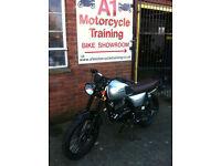 Bullit Motorcycles Hunt 125cc Naked. Learner legal. Commuter.