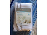 Breathable baby mesh cot bumper.