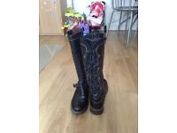 Moshulu size 41 (7.5) women's leather boots