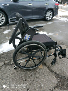 Medium size foldable wheelchairs with delivery