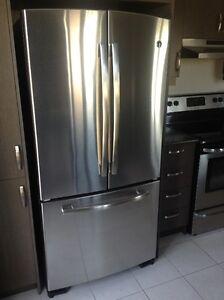 Réfrigérateur GE haut de gamme  machine à glace 22.1 PC