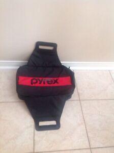 Pyrex Portable Carrying Case Bag for dish / pan