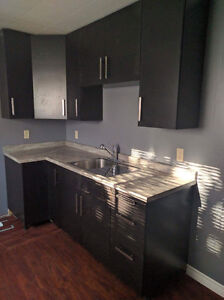 2 ROOMS IN BEAUTIFUL STUDENT HOUSE, SHORT BUS TO MAC CAMPUS