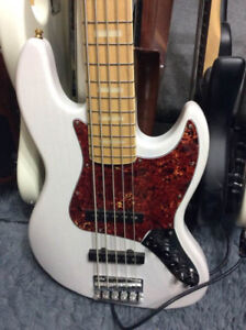 Selling my Sire Marcus Miller V7 5 String Bass
