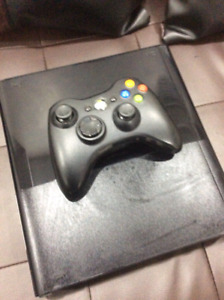 SELLING XBOX360 WITH CONTROLLER EXCELLENT CONDITION. PLEASE BUY!