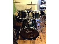 Gretch 6 Piece Catalina drum kit in dark blue and in good condition with full set of cymbals