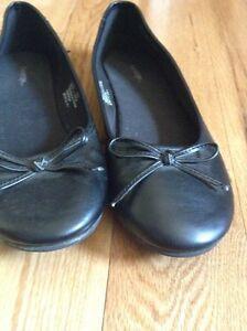Girls Fancy Shoes Size 2